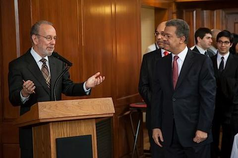 Jeff Brenzel, Head of Timothy Dwight College, welcomes Leonel Fernández